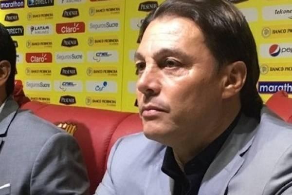 Alfaro Moreno desata polémica en redes por uno de sus sponsors