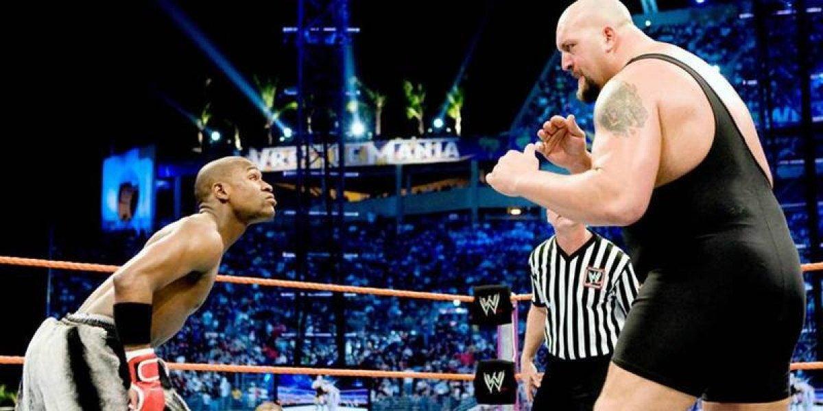 El día que Floyd Mayweather enfrentó a un luchador