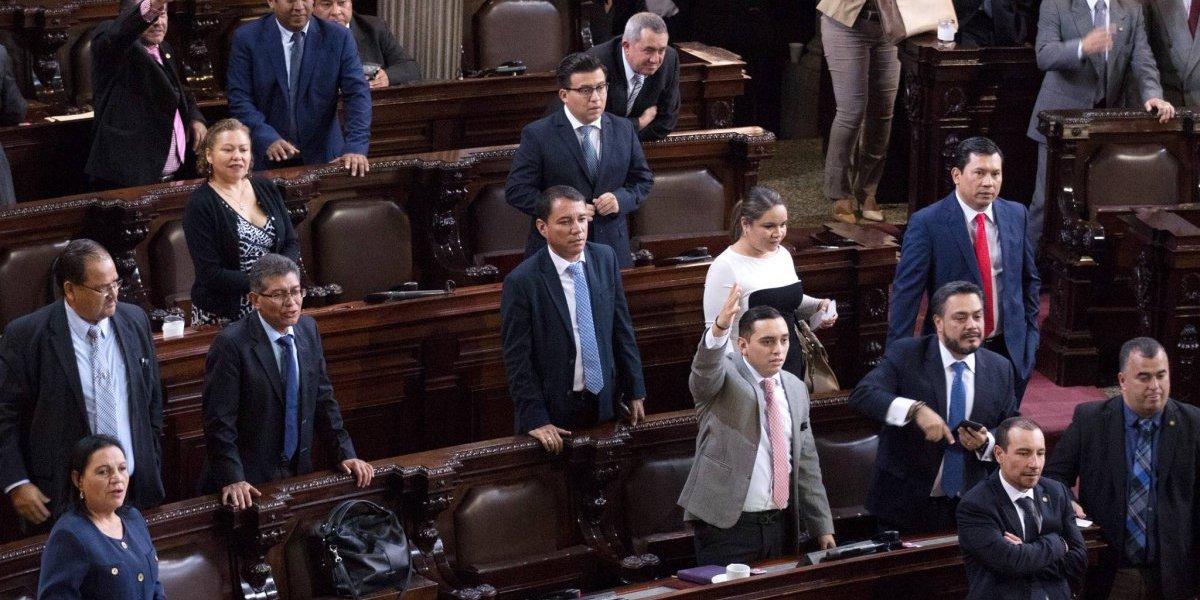 Diputados se pronuncian por antejuicio de Jimmy Morales