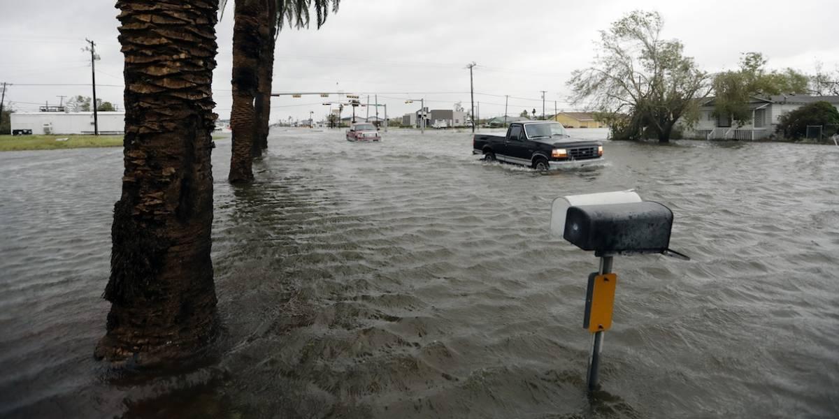 Huracán Harvey deja al menos un muerto a su paso por Texas