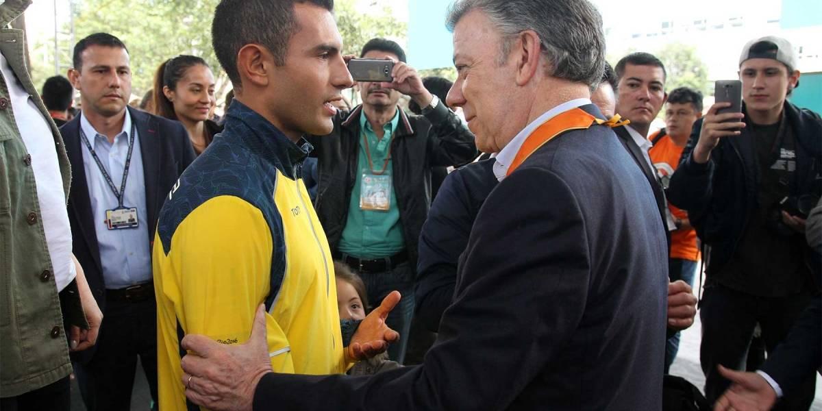Santos entregará casa a campeón mundial de marcha Éider Arévalo