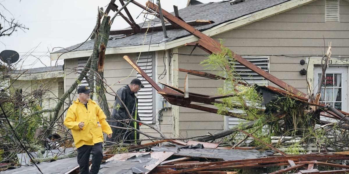 Huracán Harvey deja cinco víctimas mortales