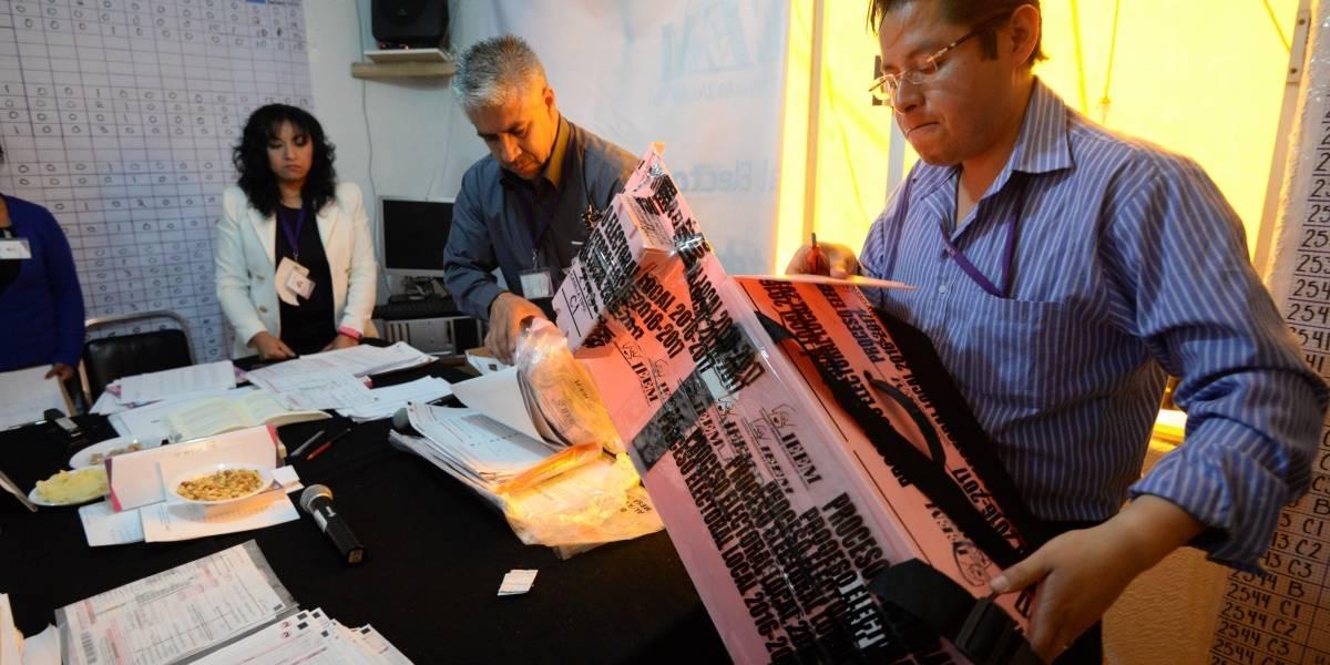 Autoridades electorales inician recuento de votos en el Estado de México