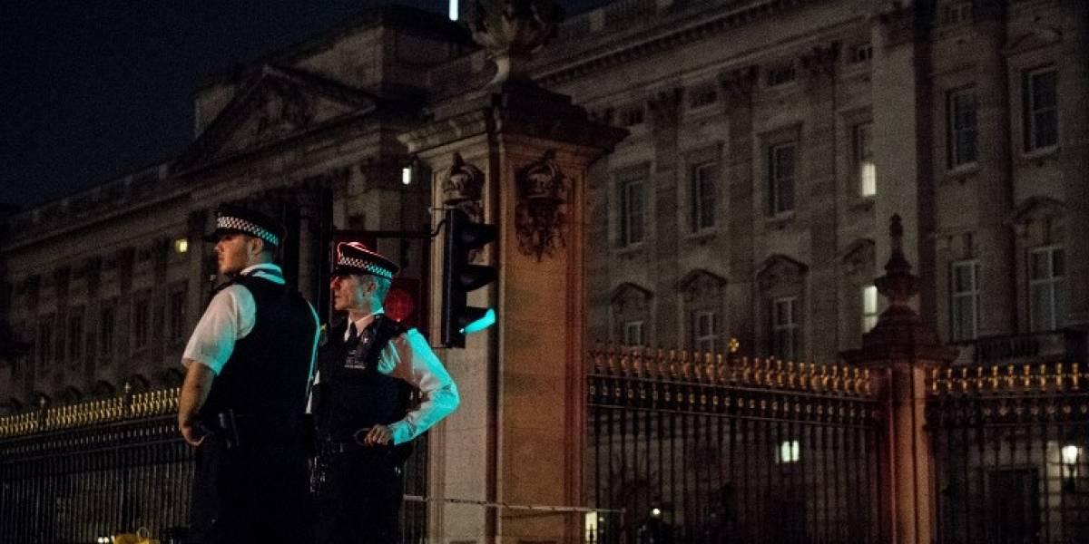Detienen a segundo sospechoso por ataque delante del palacio de Buckingham