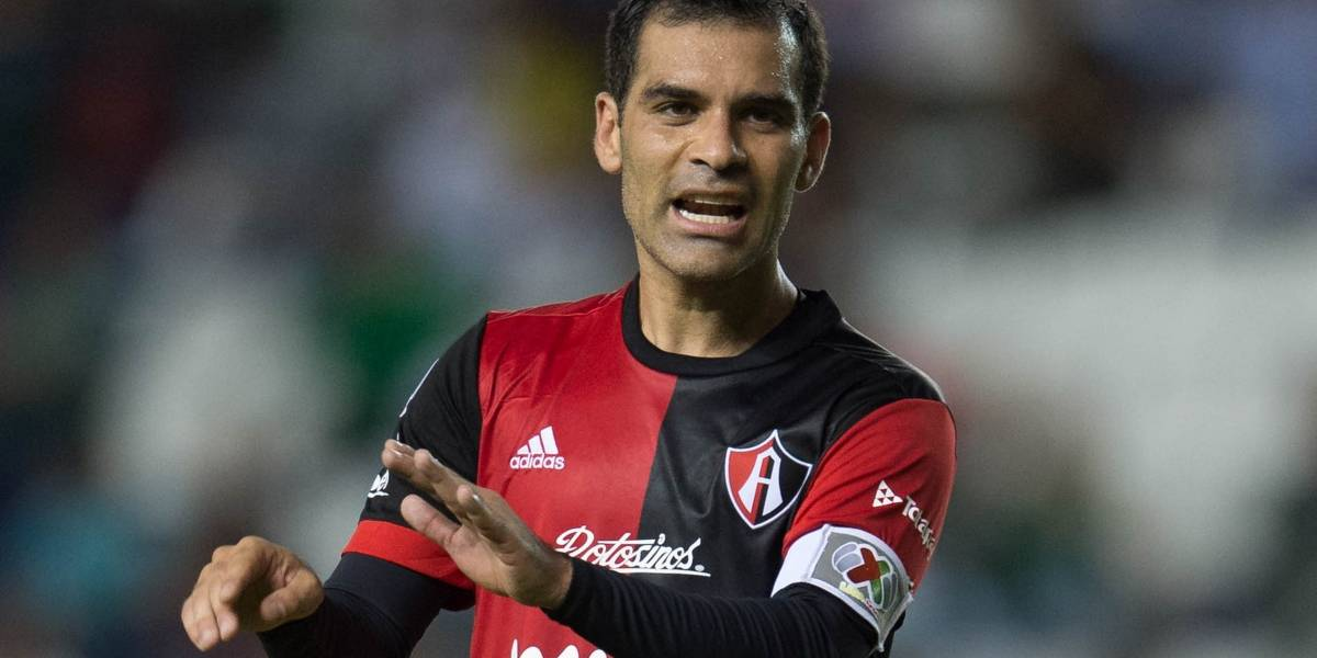 Suspenden cuentas de Facebook e Instagram a Rafa Márquez