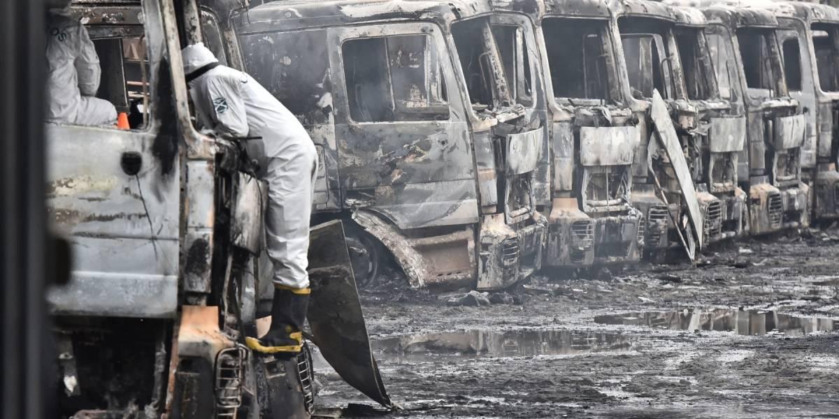 """47 camiones hechos cenizas cierran un """"Agosto Rojo"""" en La Mariquina"""
