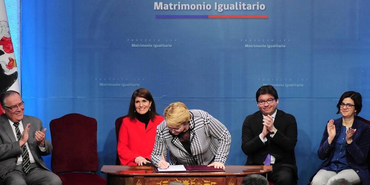 Presidenta Bachelet firma proyecto de ley de matrimonio igualitario