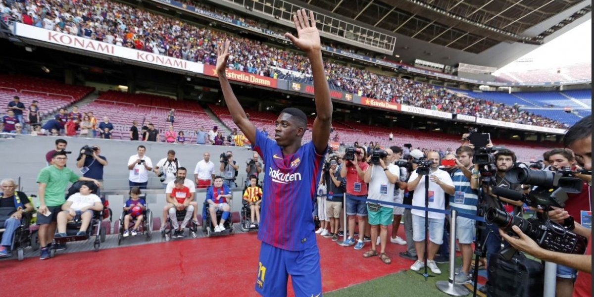VIDEO: Dembélé hace el ridículo durante su presentación con el Barcelona