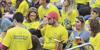 Assembleia Legislativa aprova venda de cerveja em estádios do Paraná