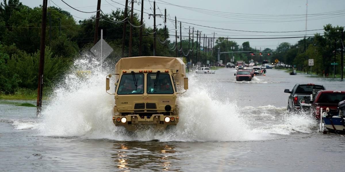 Prevén inundaciones de hasta 1.2 metros en Texas por 'Harvey'