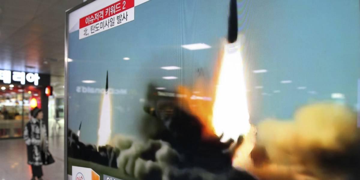 Norcorea lanza nuevo misil balístico; sobrevuela Japón y cae en el Pacífico