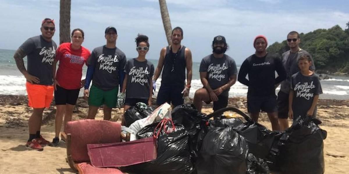 Ciudadanos se enrollan las mangas y limpian playa de Yabucoa