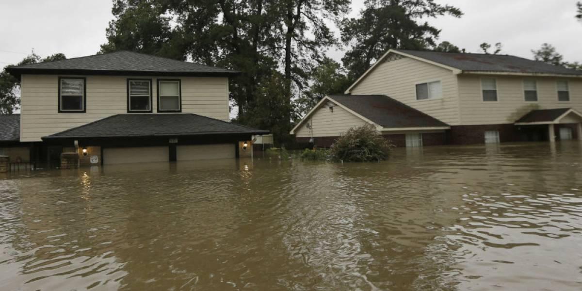 Aumentan a 16 los fallecidos tras paso de huracán Harvey