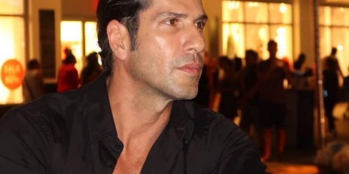 Actor colombiano se desnuda en las redes