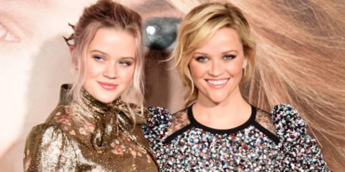 Hija de Reese Whiterspoon trabaja como mesera