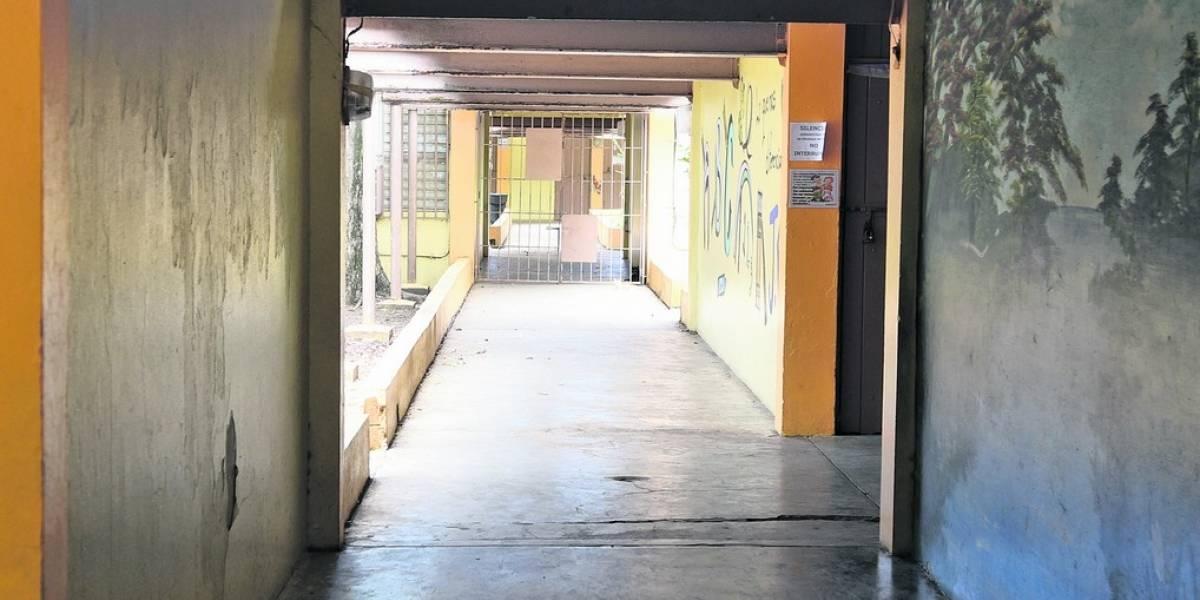 Catorce escuelas en Río Piedras permanecen cerradas