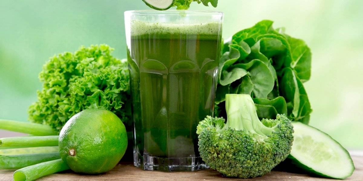 Suco verde detox: receita com clorofila desintoxica o fígado e ajuda a controlar o apetite