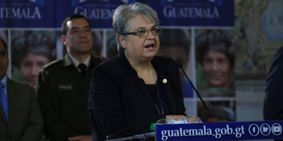 Nombran a suegra del diputado Javier Hernández como ministra consejera en Cuba