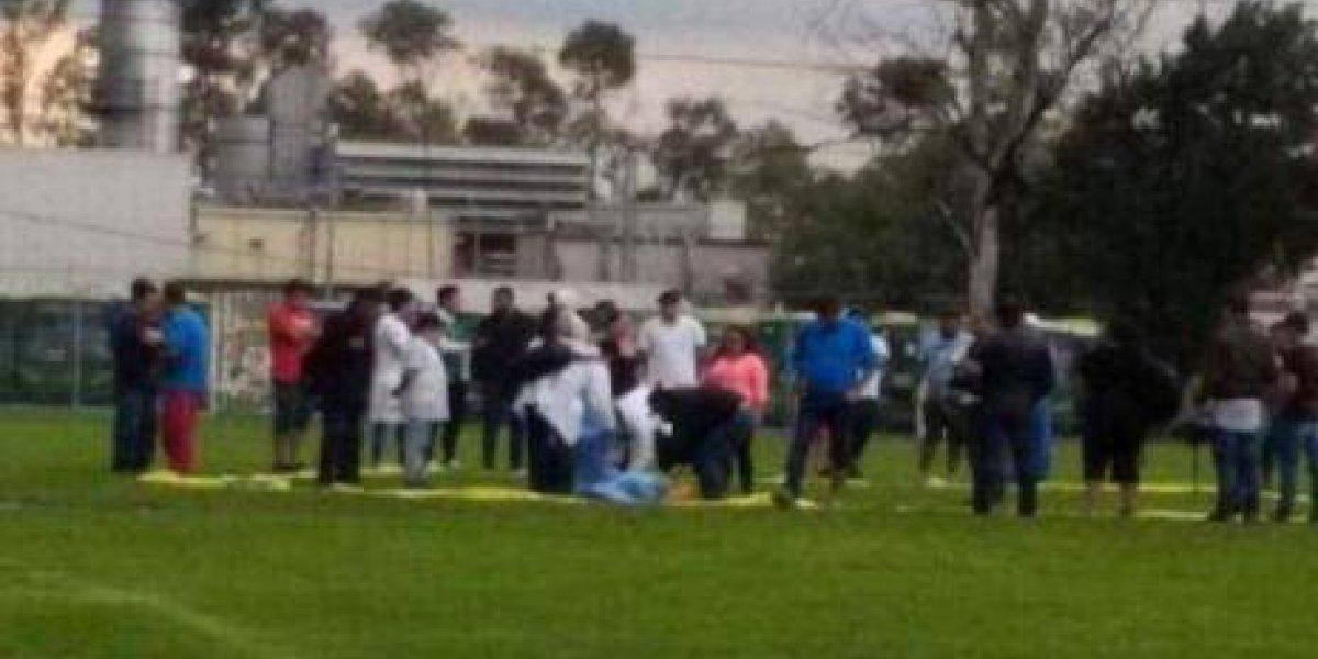 Jugador de 14 años muere en la cancha por un rayo