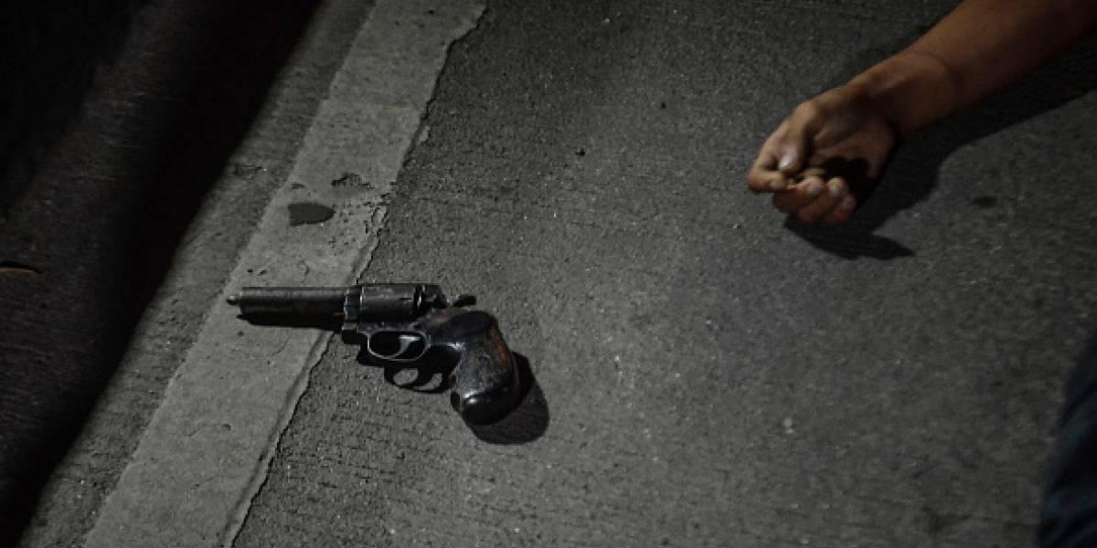 Militar se emborrachó y disparó desde la ventana de su casa, hiriendo a uno de sus vecinos