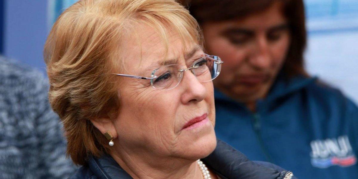 """Duro round por el aborto: Bachelet responde a Piñera que no puede cambiar """"decisión de la mayoría"""""""