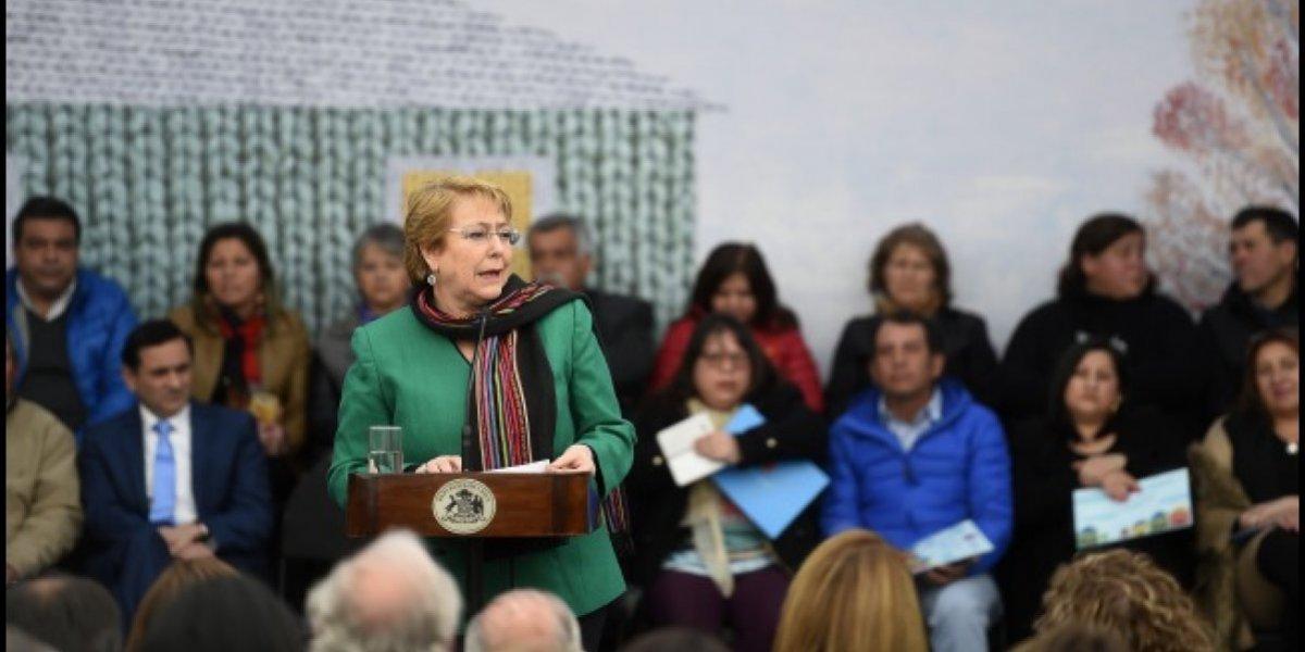 Bachelet respalda a ministro de Medio Ambiente tras polémica por Dominga