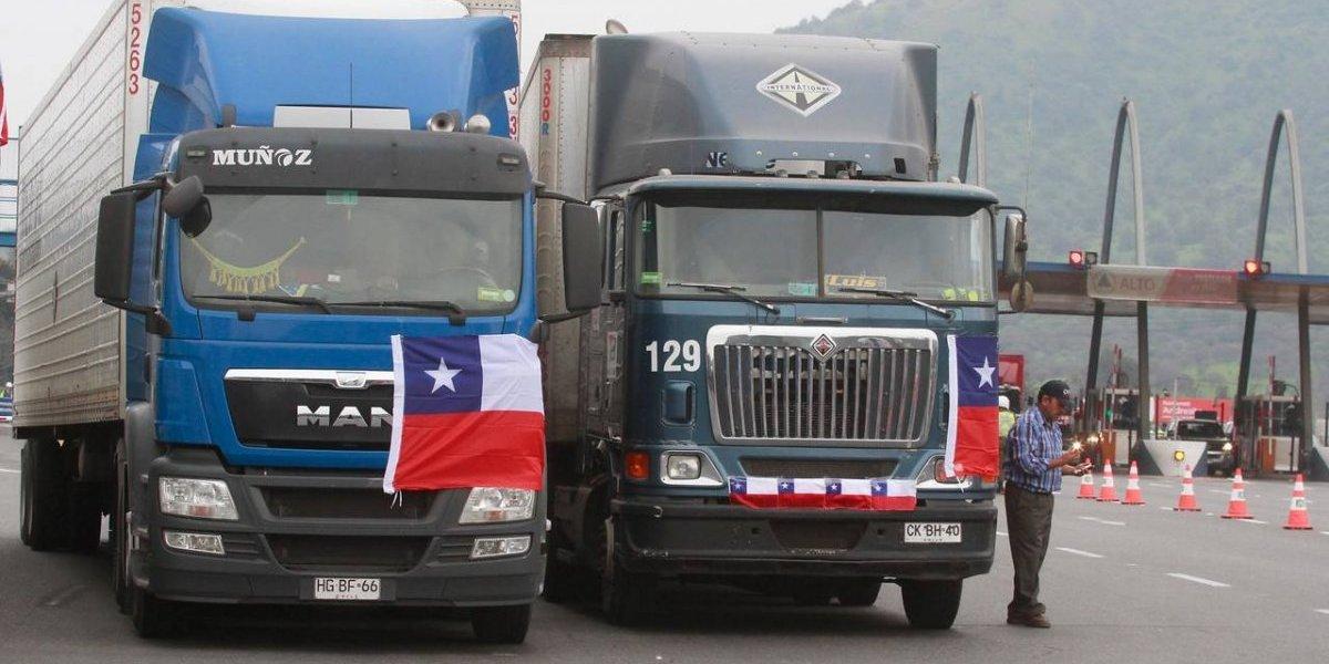 Camioneros evidencian diferencias y un grupo de ellos se reunirá el lunes para analizar paro nacional