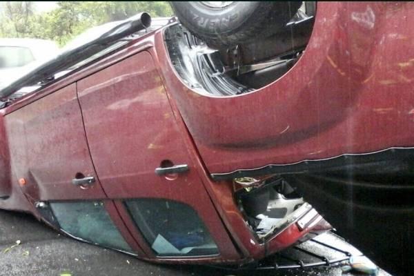 Accidente de tránsito en Av. Simón Bolivar y Conquistadores, sector Guápulo, Quito