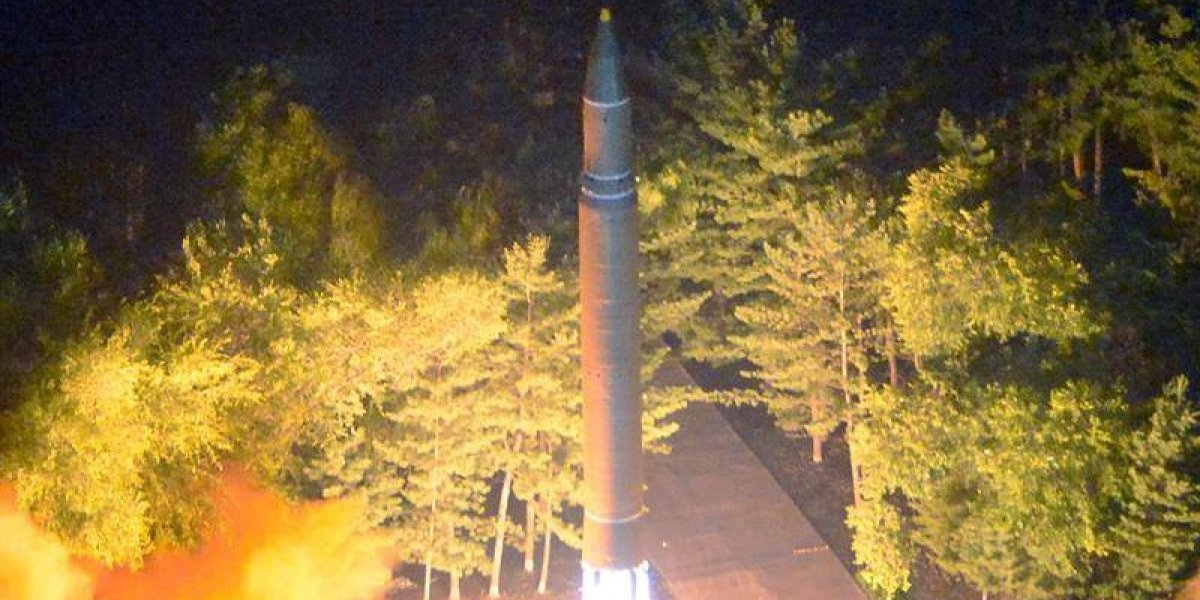 """Consejo de Seguridad de la ONU califica de """"indignante"""" que Kim Jong-un lanzara un misil a Japón"""