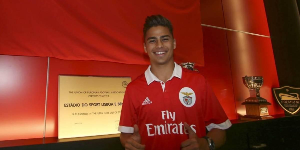 Benfica presenta al mexicano Paolo Medina