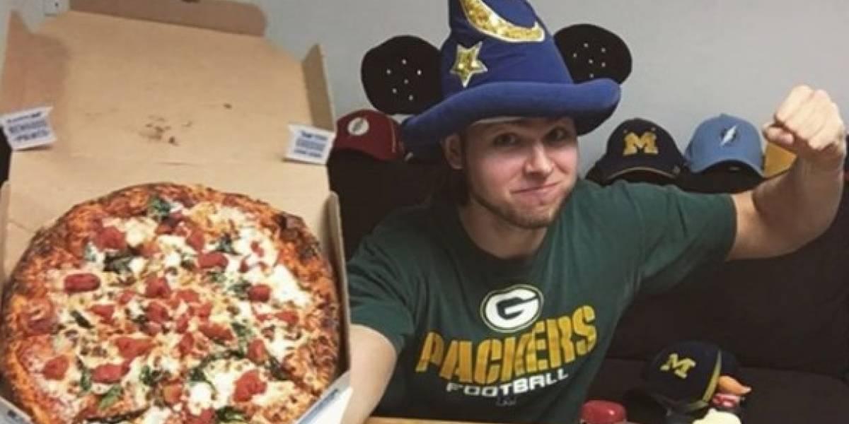 Hombre come pizza por un año y esto fue lo que le pasó