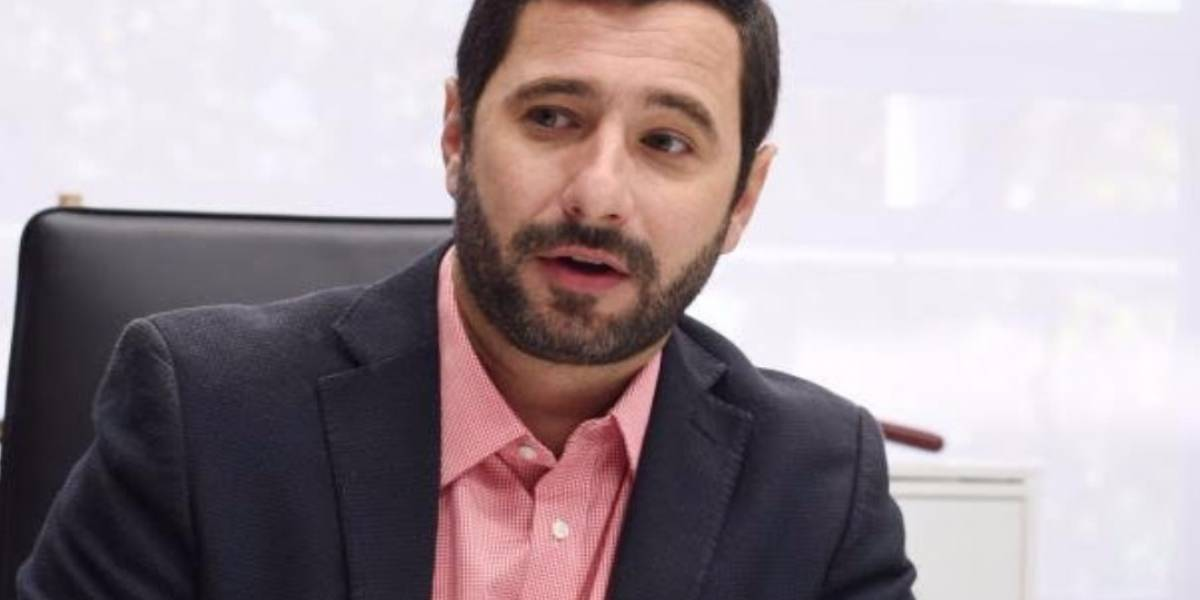 "Senador popular tilda a Jenniffer González de ""oportunista"""