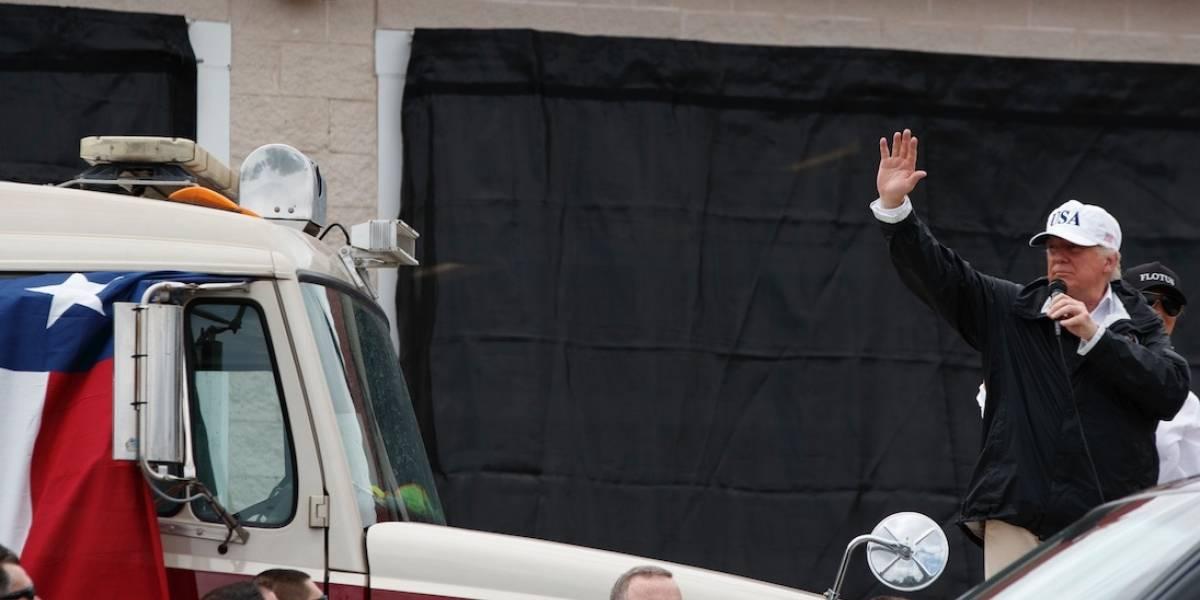 Trump ofrece a texanos garantías de recuperación