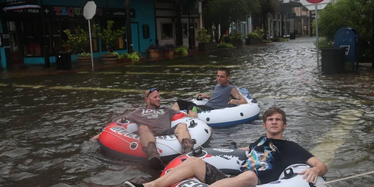 Houston abrirá más refugios para familias afectadas