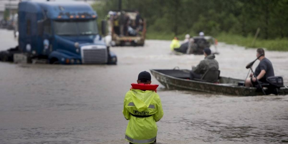 Huracán Harvey llega a Luisiana y aumenta drásticamente la cifra de víctimas fatales en Texas