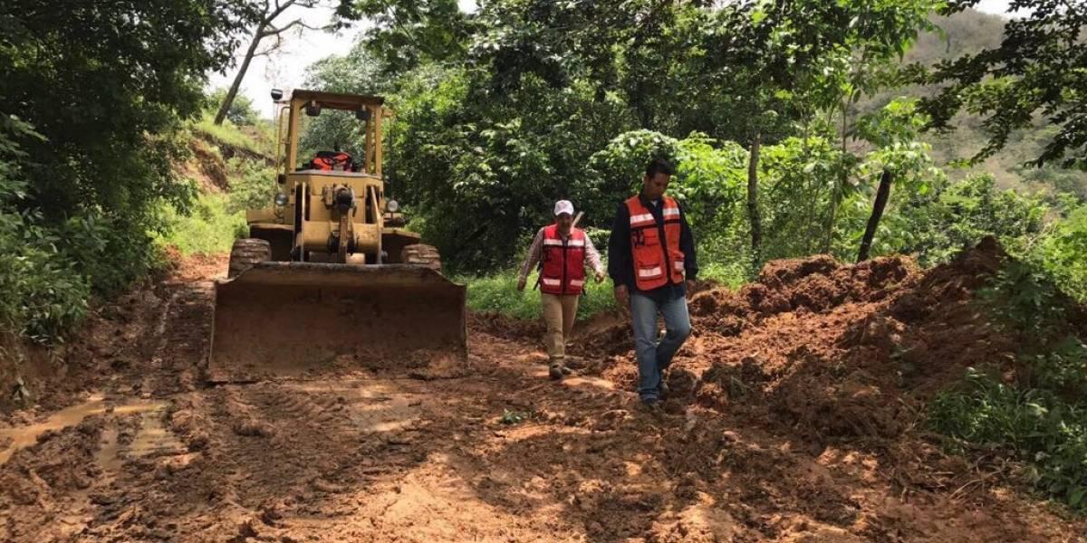 Deslaves causan cierre de otra vía que conecta con Puerto Vallarta