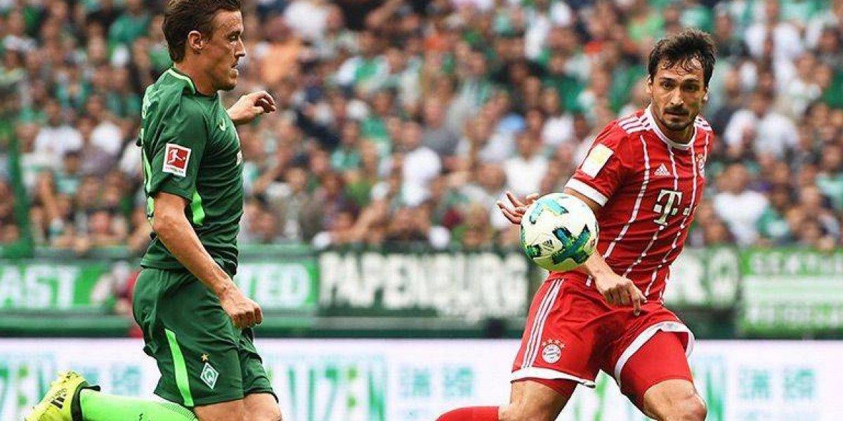 Mats Hummels, regañado por aventarse un clavado arriesgado desde un balcón