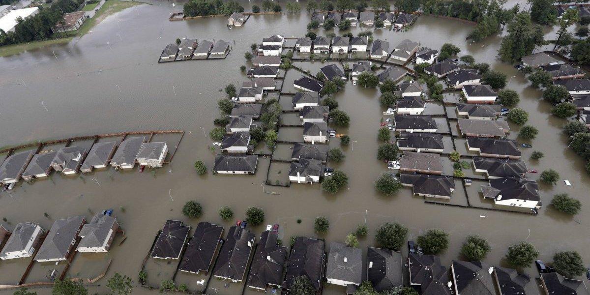 'Harvey' vuelve a tocar tierra, ahora en Luisiana y sube a 30 el número de muertos