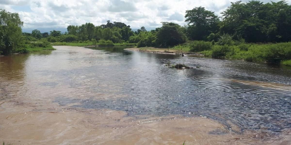 Juan Camilo Restrepo condenó ataque a oleoducto cometido por el Eln