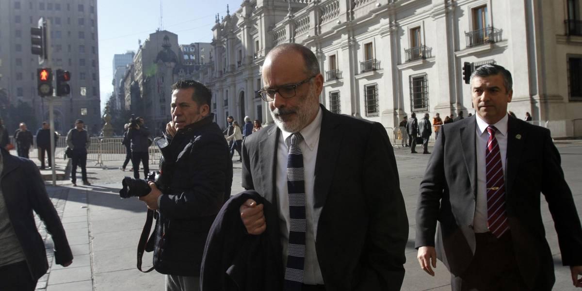 Via twitter: Ministerio de Hacienda descarta renuncia de Rodrigo Valdés