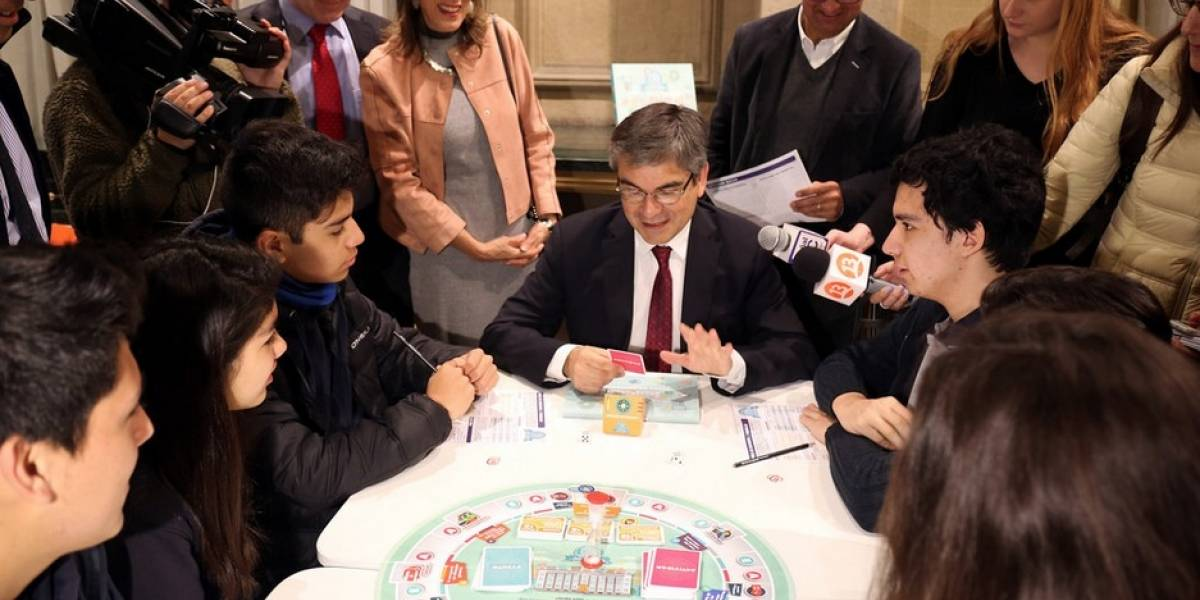 """""""EconómicaMente"""": Banco Central lanza su propio Monopoly"""