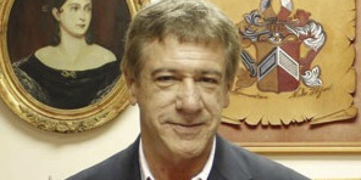 Encuentran muerto en su departamento a concejal de La Pintana