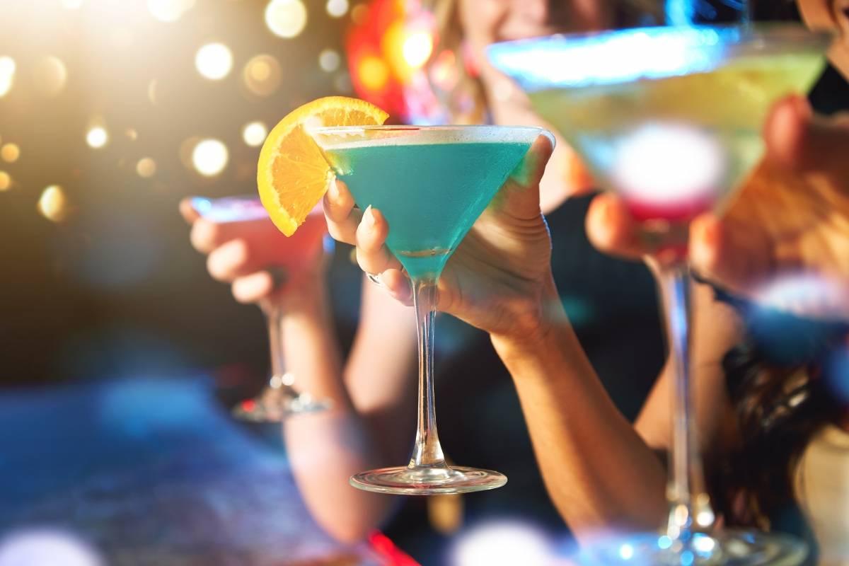 El alcohol está presente en todas las fiestas.