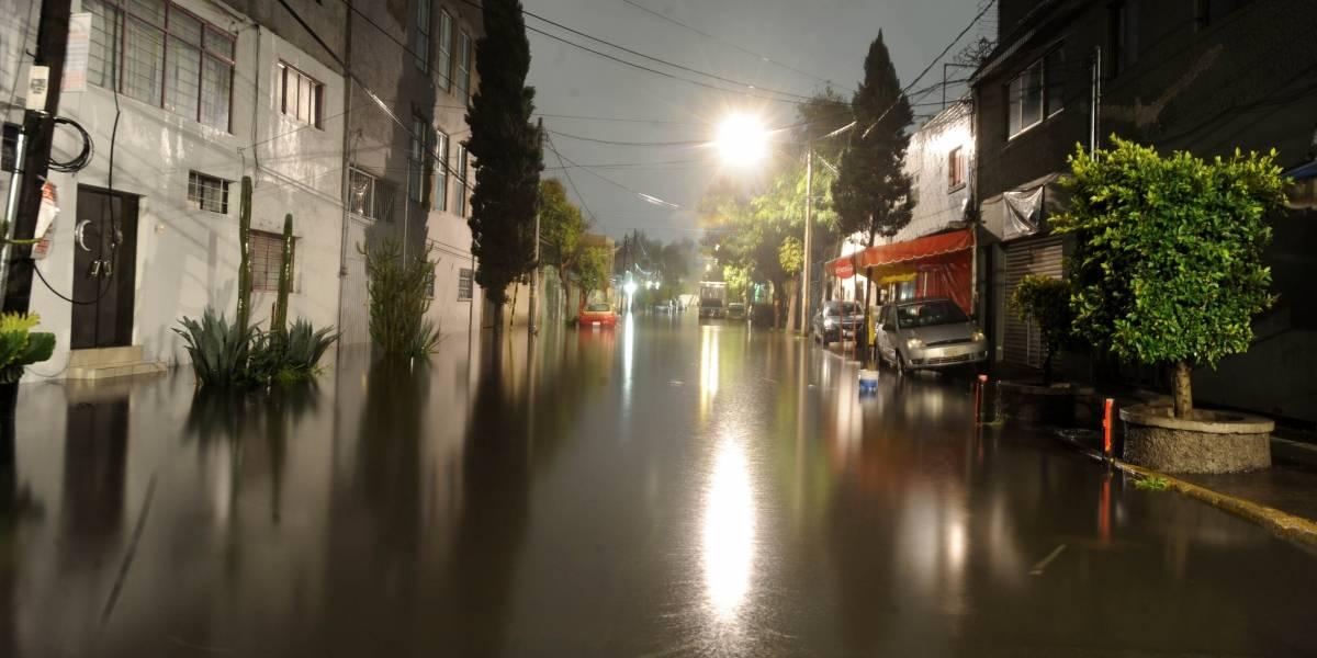 CDMX y Edomex despiertan con inundaciones tras fuertes lluvias