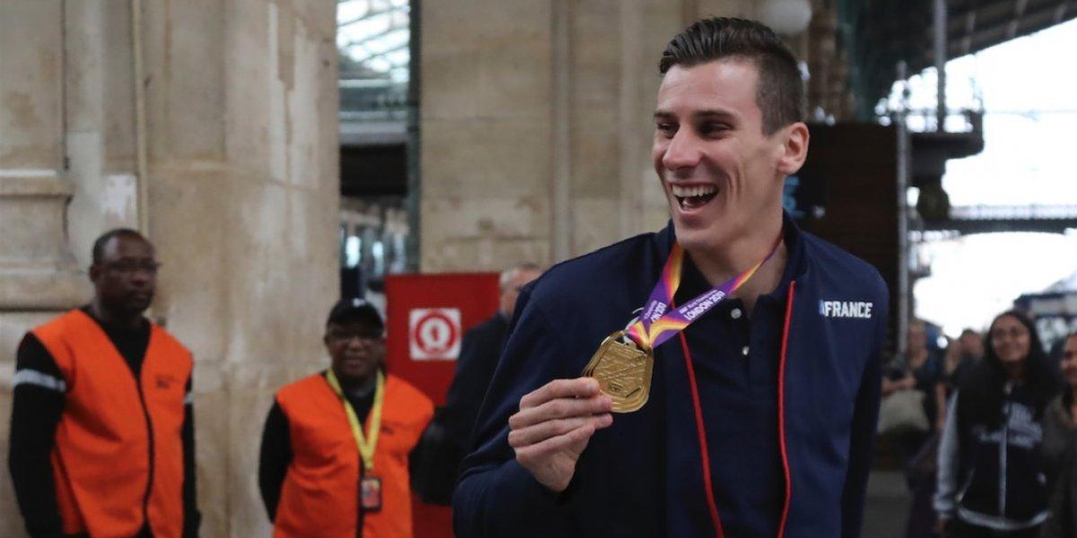 """Campeón mundial de atletismo fue """"salvajemente agredido"""""""