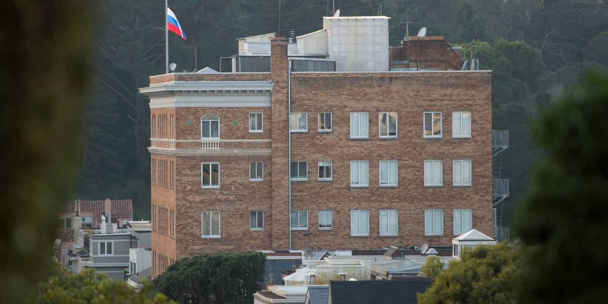 Tambalea la relación de Trump y Putin: EEUU ordena el cierre del consulado de Rusia en San Francisco
