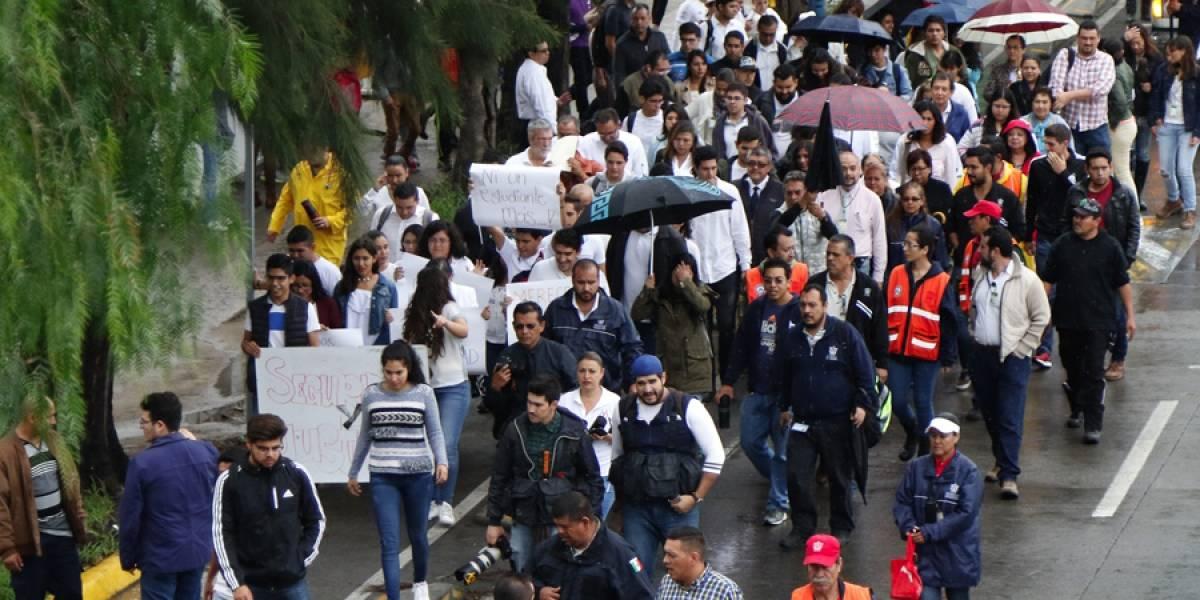 Marchan en silencio, exigen justicia tras asesinato de estudiante