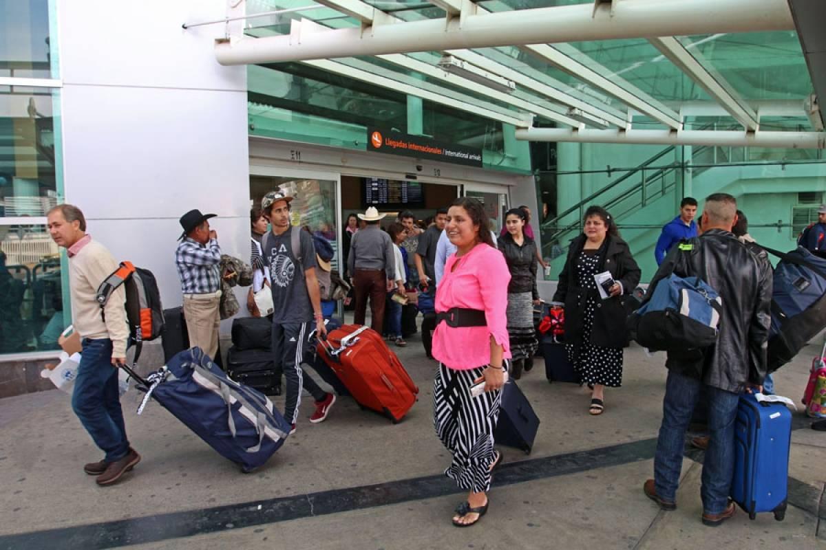 Cierre del aeropuerto de la Ciudad de México afecta terminal tapatía