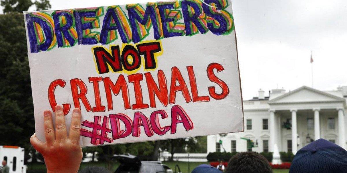 Futuro de dreamers aún es incierto; Trump anunciará decisión sobre DACA este martes
