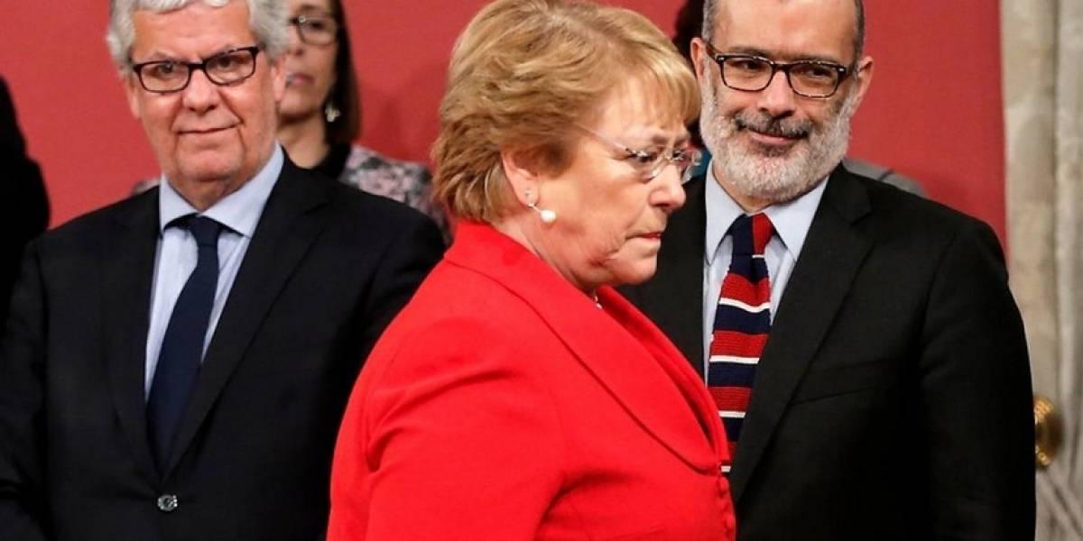 Equipo económico abandona a Bachelet